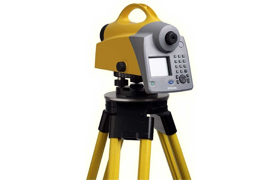 TRIMBLE DiNi 03<